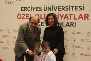 Erciyes Üniversitesi & Özel Olimpiyatlar Türkiye Bölge Oyunları özel ve partner sporcuları bir araya getirdi