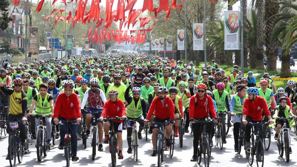 8'inci Yeşilay Bisiklet Turunda 2 Bin Bisikletsever Bağımlılıkla Mücadele İçin Pedal Çevirdi
