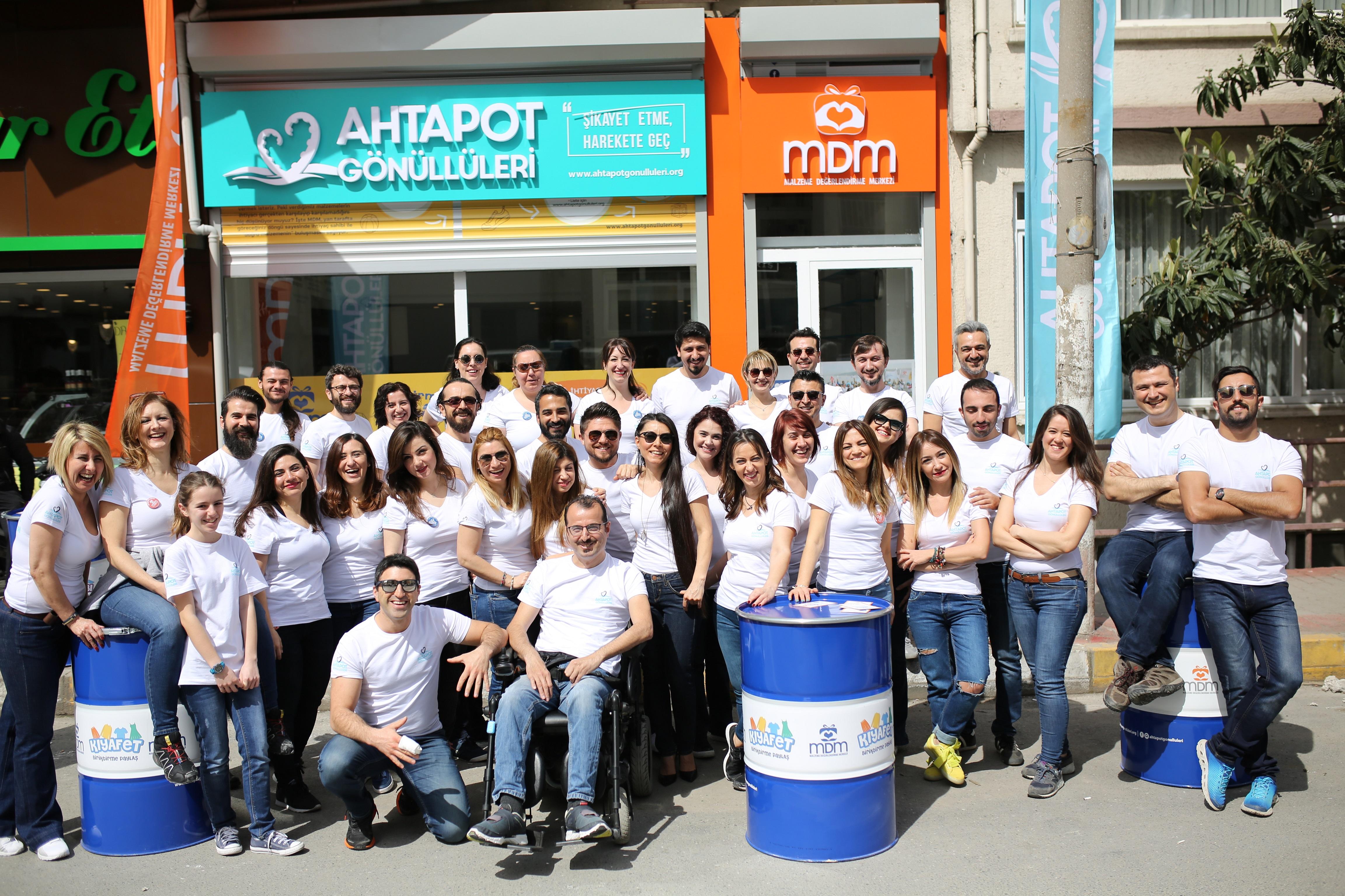 Ahtapot Gönüllüleri, Malzeme Değerlendirme Merkezi'ni açtı