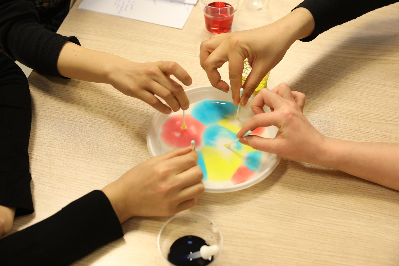"""Bayer Genç Bilim Elçileri Projesi """"Eğitimde İyi Örnekler"""" den Biri Seçildi!"""