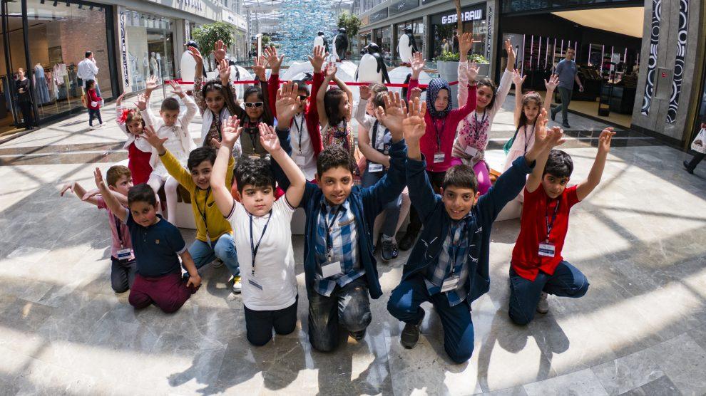 """""""Bir Dilek Tut Derneği"""" ve Dilek Çocukları Dünya Dilek Günü'nü İstanbul Akvaryum'da Kutladı"""