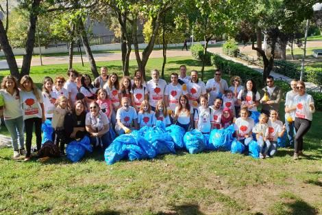 MAPFRE Gönüllüleri, Maçka Demokrasi Parkı'nda Çevre Temizliği Yaptı