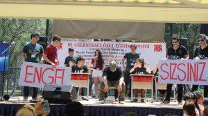 Gençler 'Gönüllülük Yılı'nda 200 Bin Saat Gönüllü Hizmet Yapacak!