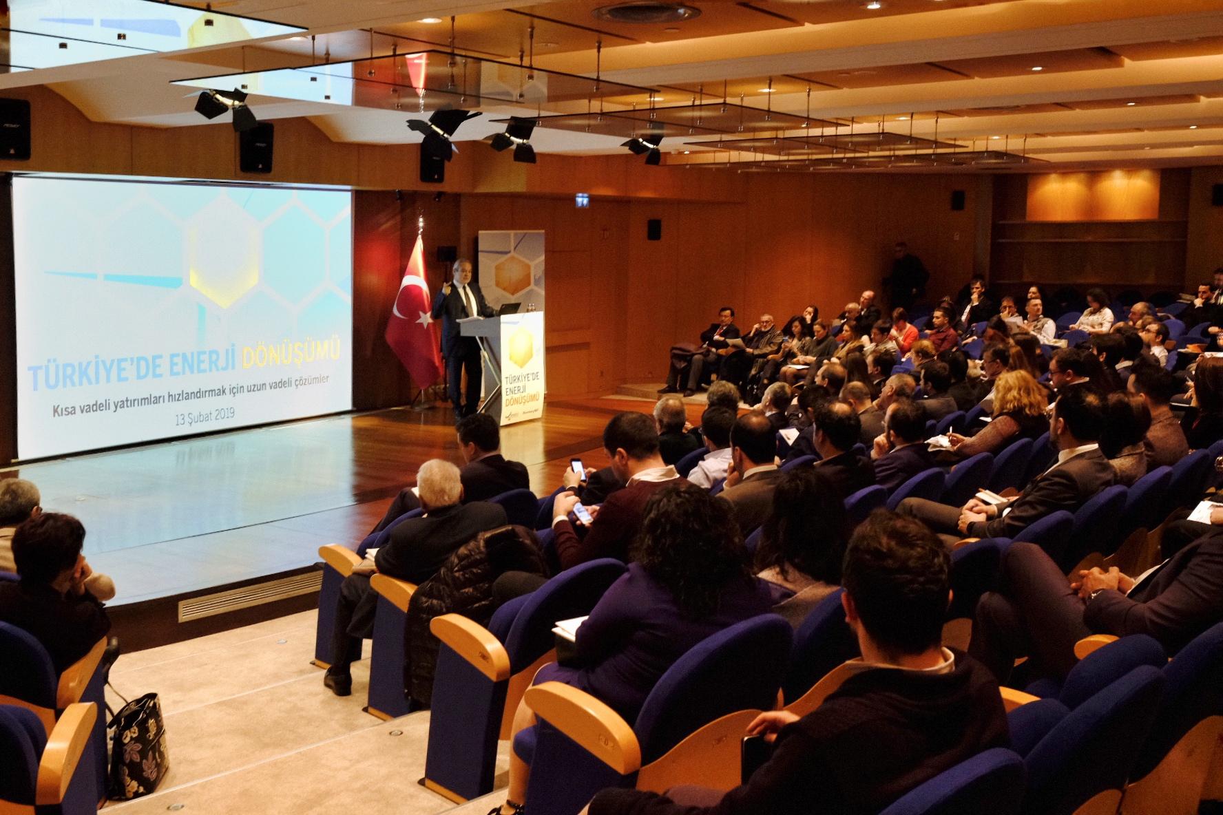 2023'te Türkiye'de Elektriğin En Ucuza Üretildiği Kaynaklar Güneş ve Rüzgar Olacak!