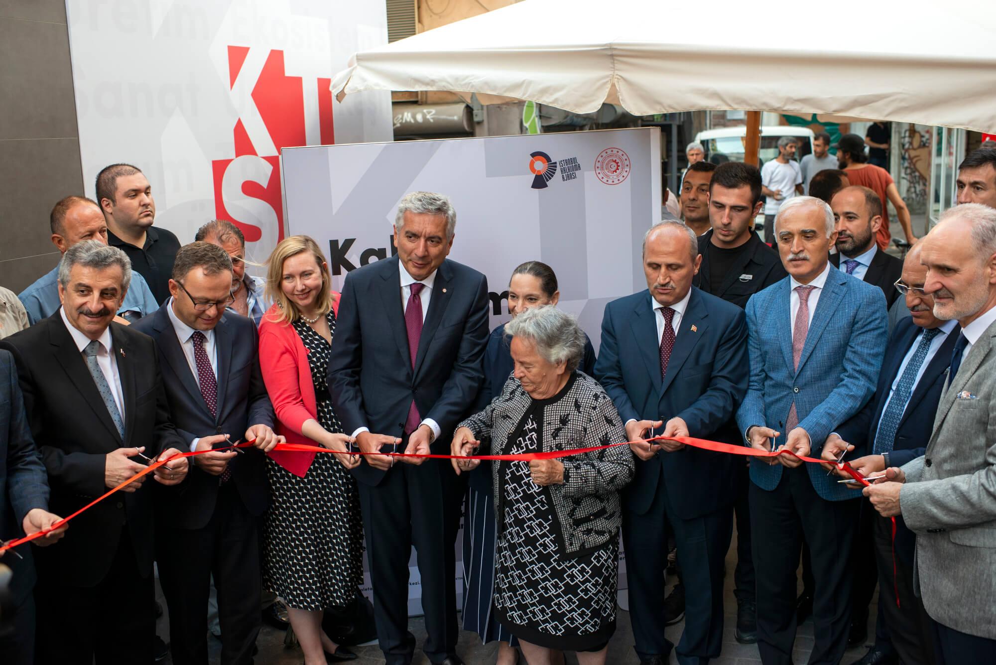 Kale Tasarım ve Sanat Merkezi Karaköy'de Kapılarını Açtı!