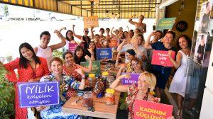 Pİ Kadın Kanserleri Derneği'nin 3 günlük etkinliği, iyilik yapmak isteyenlerle doldu taştı.