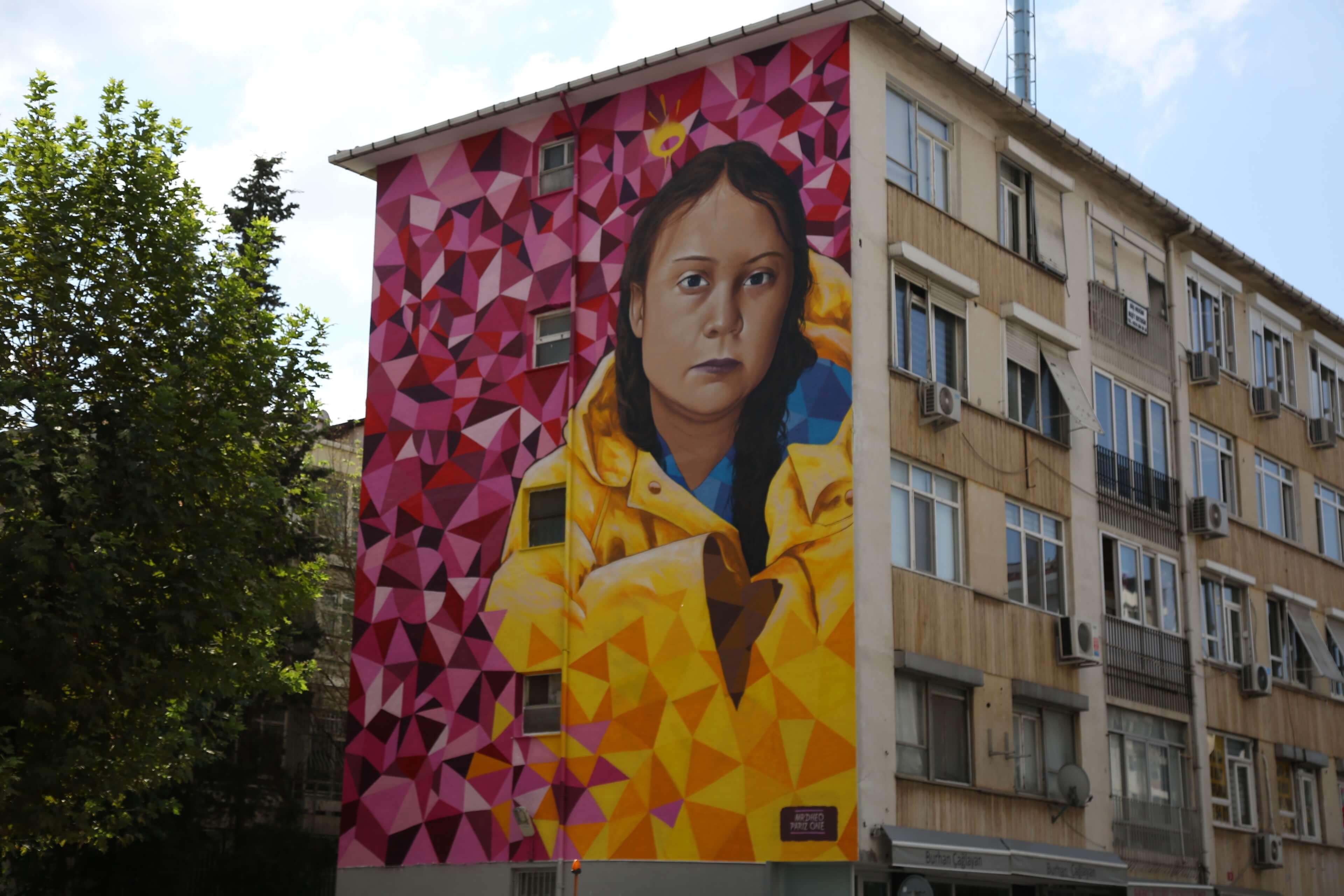 16 Yaşındaki İklim Aktivisti Greta Thunberg Kadıköy Duvarlarında