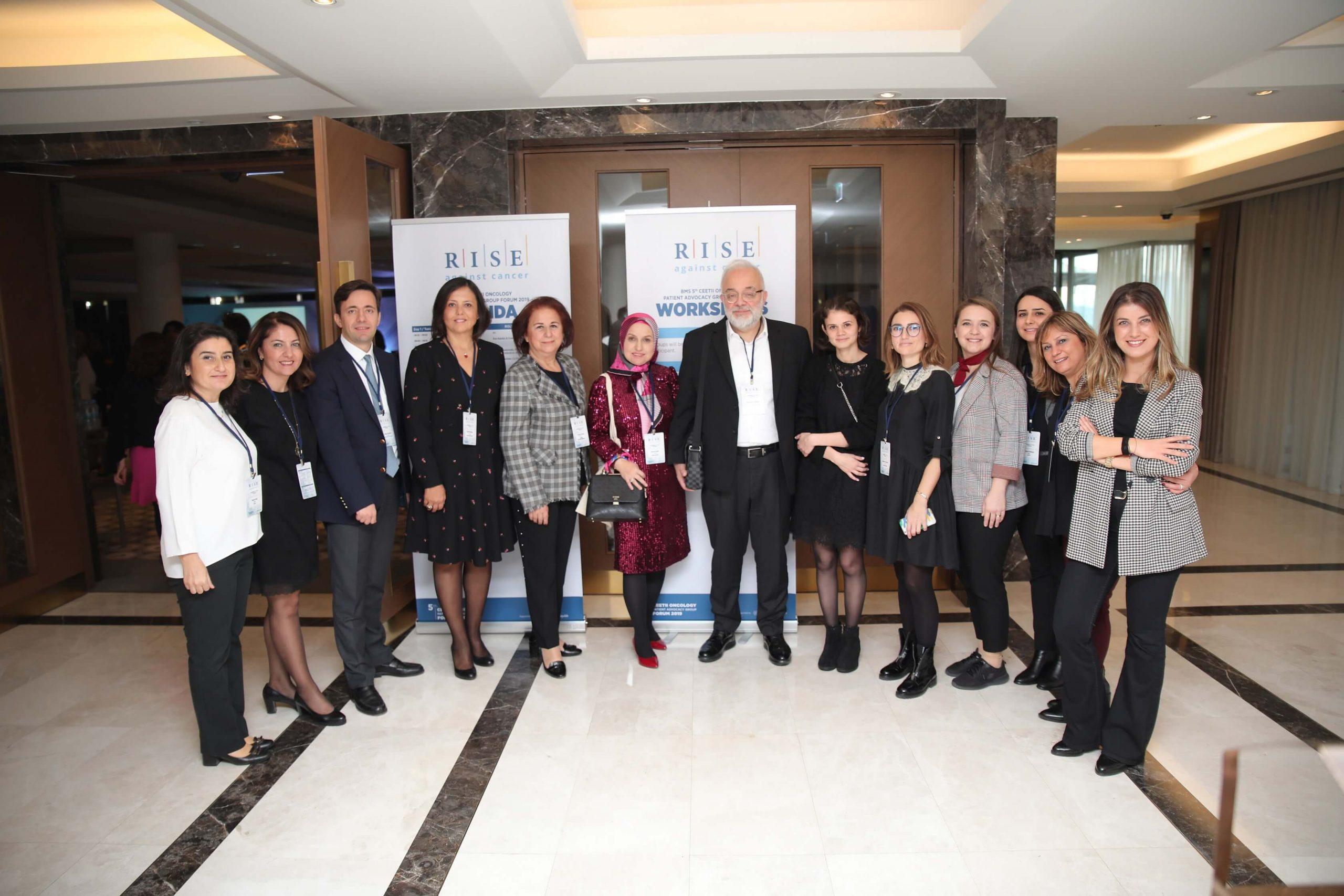 İmmüno-onkolojik tedavilerin ülkemize kazandırılmasında öncü bir rol üstlenen Bristol-Myers Squibb (BMS), 3-4 Aralık tarihlerinde ilk kez Türkiye'de gerçekleştirilen CEETII bölgesinden 8 farklı ülkeden 31 hasta derneğinin de katılım gösterdiği 5. Onkoloji Hasta Derneği Zirvesi'ne katıldı.Hasta derneklerini daha da geliştirecek, hastalara umut ışığı olacak, birbirinden önemli projelerin bir araya geldiği zirvenin bu yılki temasınıR.I.S.E Against Cancer oluşturdu.