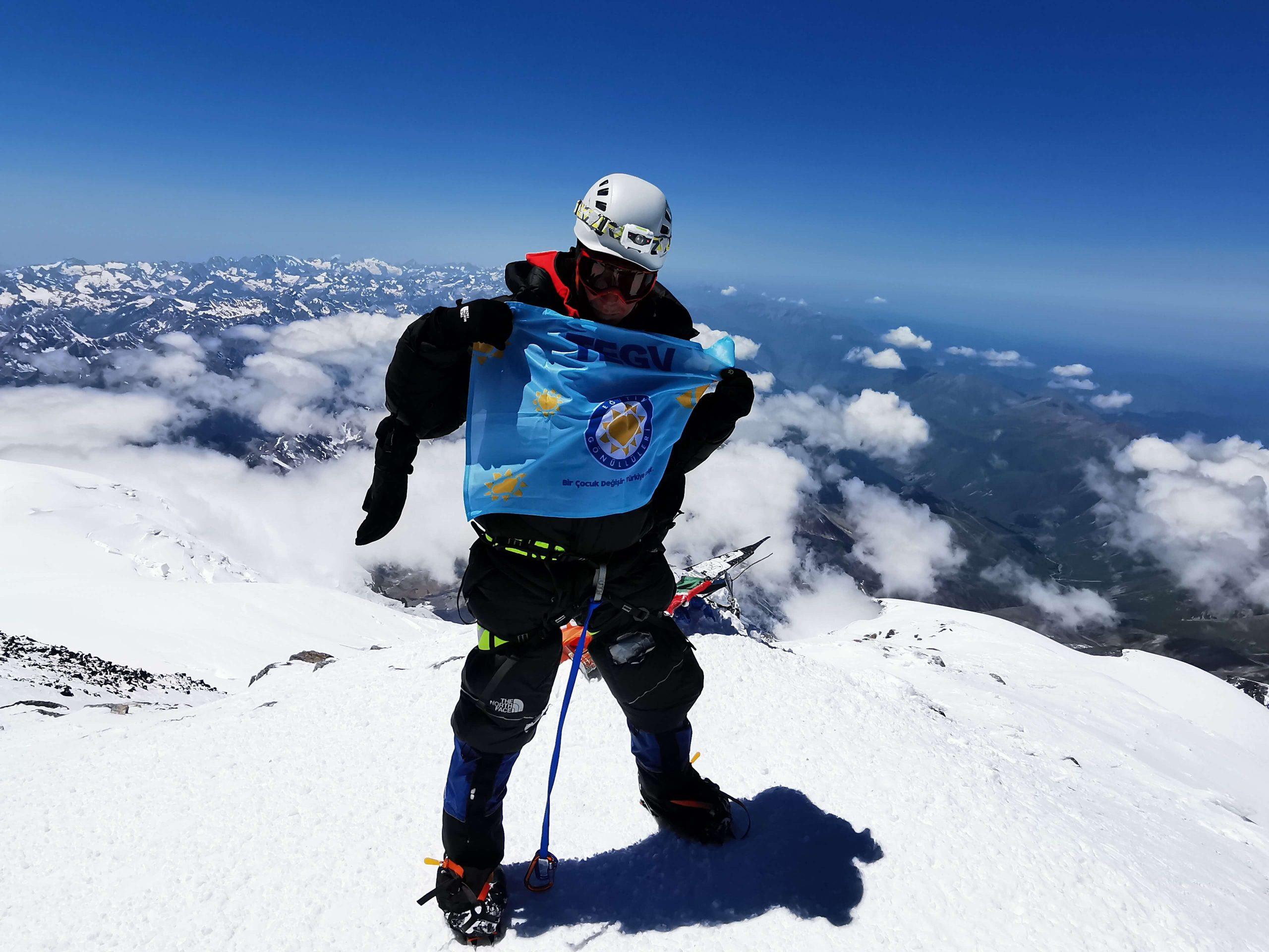 Müzisyen Evren Uysal TEGV'li çocuklar için Kilimanjaro Dağı'na tırmanacak