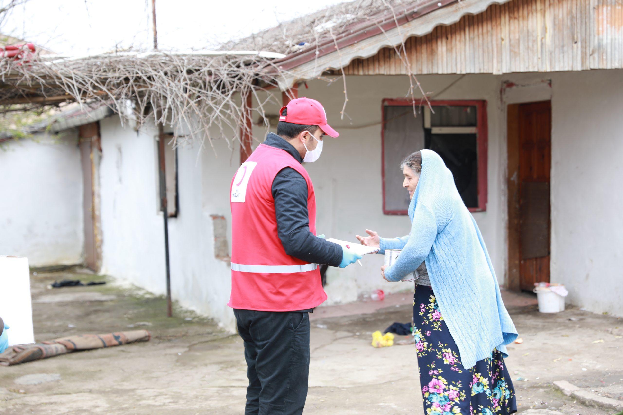 Kızılay ihtiyaç sahiplerine 65 bin gıda ve 72 bin hijyen kolisi ulaştırdı