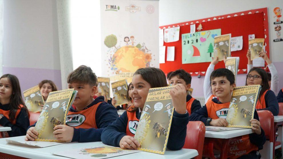 Çocuklar için zenginleştirilen arilarvarsa.org sitesi yepyeni oyun ve içeriklerle yayında