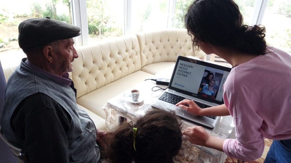 Paramı Yönetebiliyorum eğitimleri, Nesilden Nesile İnternet projesiyle 65 yaş ve üzeri bireylerle buluşuyor